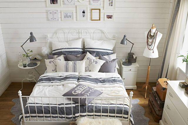 Svieža bielo-modrá kombinácia vo vidieckom interiéri 12