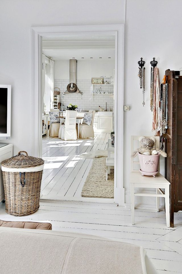 Čistý, svieži a útulný vidiecky interiér - 12