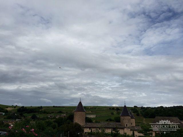 Festival otvárajúci brány do tajomných lokálnych dvorov vo Francúzsku 12