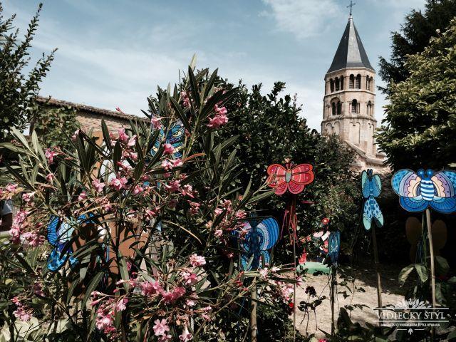 Festival otvárajúci brány do tajomných lokálnych dvorov vo Francúzsku 6